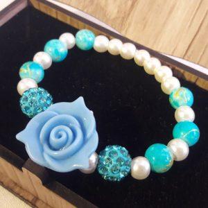 دستبند سنگی گل رز آبی